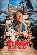 Ernest ide do väznice