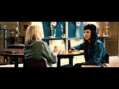Skoro dospělá (2012) - trailer