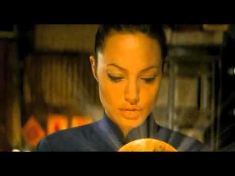 Lara Croft - Tomb Raider: Kolébka života (2003) - trailer