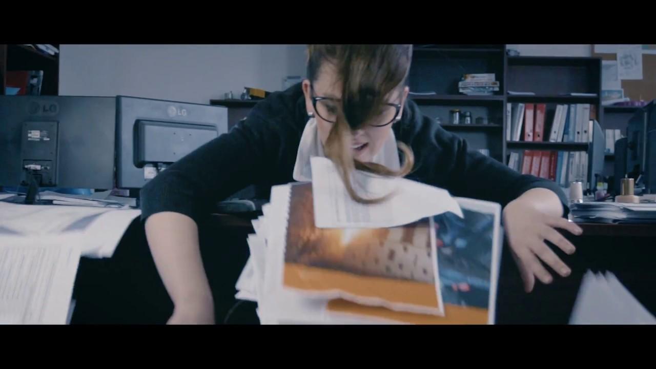 (Náhled) B4L Trailer  - Sekretářka