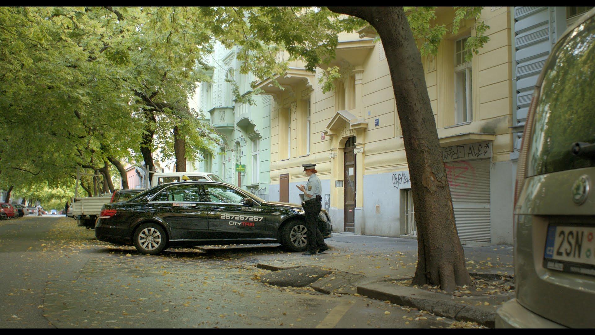 Taxi 121 - Oficiální český kino trailer - V kinech od 1. 9. 2016